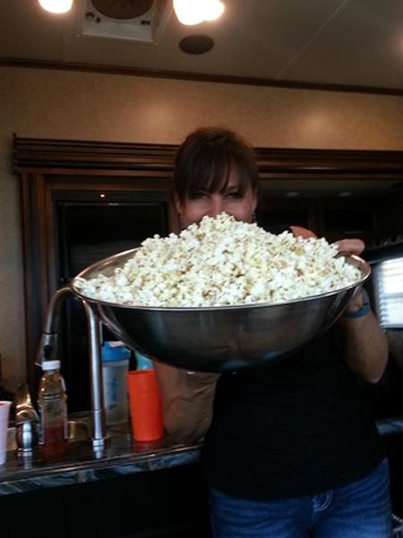 crop popcorn%20bowl[5]